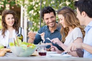 ごはんから食べる人は平和主義! 定食を食べる順番でわかる人生で大切なもの