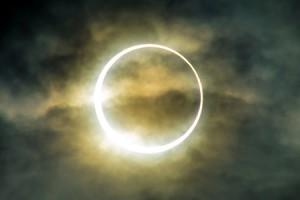 4月29日の日食は、自分自身に変化を起こし、生まれ変わるチャンス!