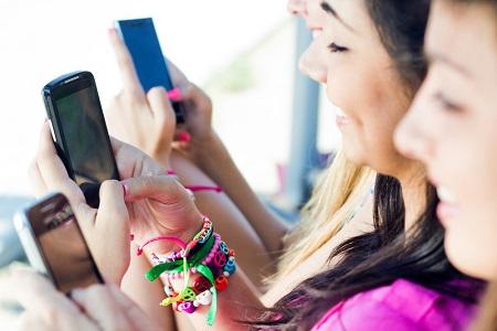 SNSの写真でわかる嫉妬深さ 自撮りが多い人は誰にでも嫉妬するかまってちゃん!?
