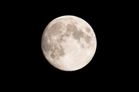 6月13日は射手座の満月 臆病さを手放して自由な行動力を手に入れよう!