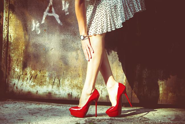 【断捨離風水】出会いがない人は「靴」に原因あり!  古い靴を捨てて、出会い運アップ