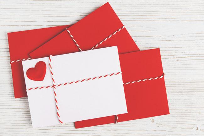 赤い紙とペンだけでOK! 恋をかなえるバレンタインデーのおまじない