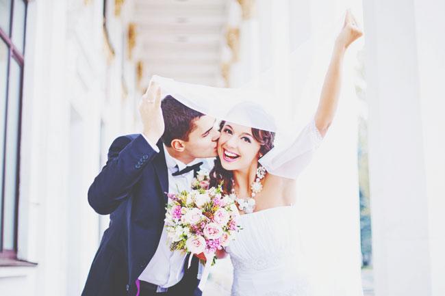 【心理テスト】初デート、カフェの座り位置でわかる結婚生活のゆくえ