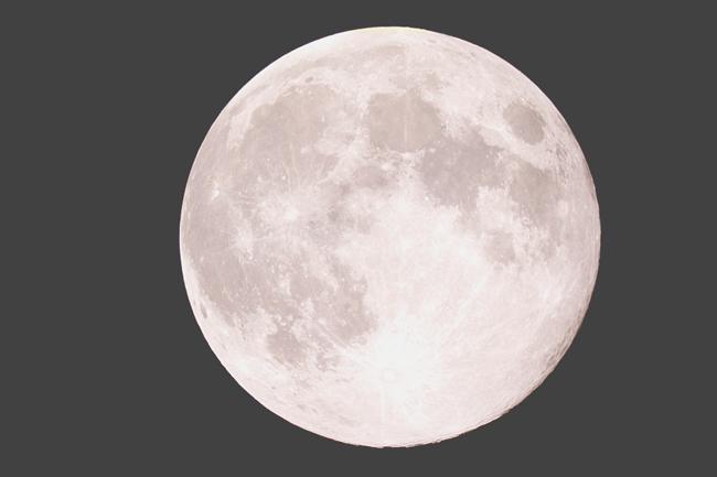5月4日の蠍座満月は天と地がつながるウエサク満月! パワフルな月に生まれ変わりを誓おう