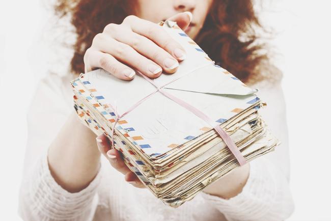 【厄払い風水】お金が貯まらない人は、不要なDMや請求書を捨てて貯蓄体質に!
