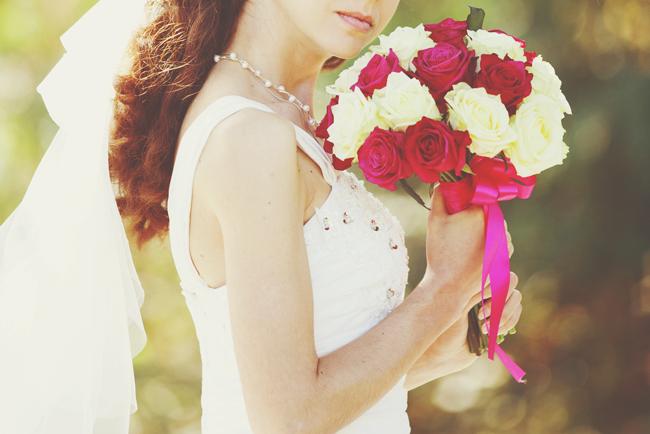 【ブーケ占い】花言葉から占う、あなたの結婚のメリット&デメリット