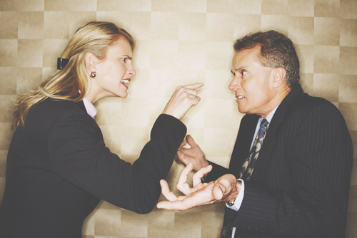 ストレスがたまりやすい人相 額がせまい人は上司と揉めて職場関係に悩みがち!