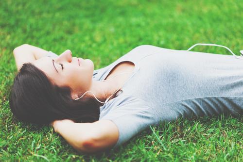 【心理テスト】おひとりさまの休日の過ごし方でわかる、意識高い度