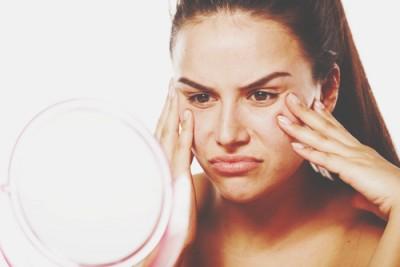 自分の顔の嫌いなパーツでわかるコンプレックス 鼻の人は知性がコンプレックス