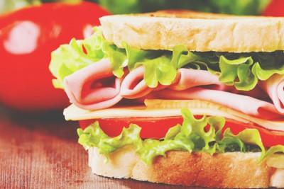 【心理テスト】サンドイッチの作り方でわかる純愛度