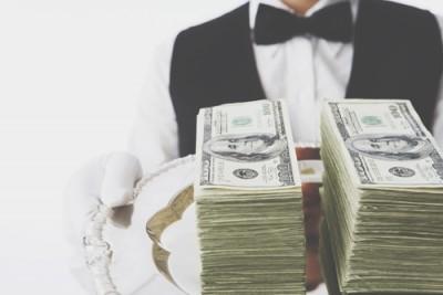 12星座【もしも1億円もらったら?】双子座は仕事を辞めて世界旅行!