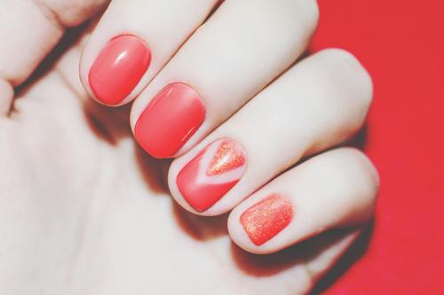 【心理テスト】親指~小指、アクセントネイルをしたい指でわかる強化したい自分