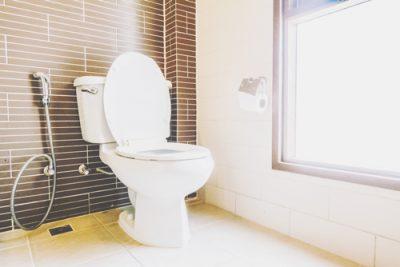 【心理テスト】トイレ掃除でわかるお金が貯まらない理由