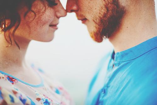【タロット占い】年内に恋の出会いはある? あなたに訪れる運命の出会いとは