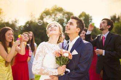 幸せな結婚をするために…運命の相手から結婚の時期までを占います