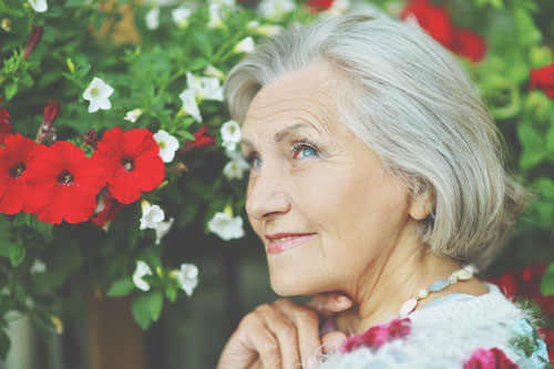 老後の生き方がわかる【心理テスト】無人駅で降りた目的は何?