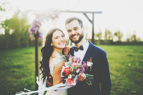 【彼の星座別・結婚への道】牡羊座の彼は万年少年、結婚=冒険と思わせてゴールインへ!