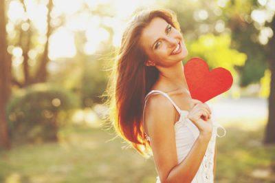 12星座【いくつになっても恋ができる】ランキング 射手座は生涯現役の恋多き女!