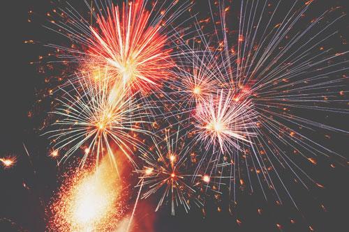 【8月の開運壁紙】恋愛運は「花火」、ダイエット運は「風鈴」の写真で運気アップ!