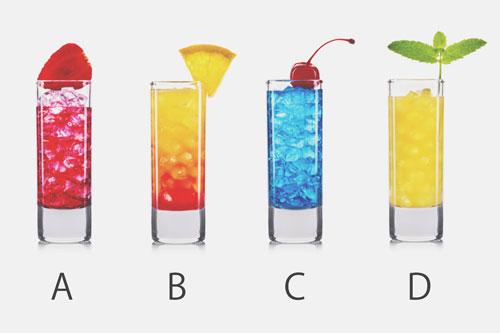 【心理テスト】バカンスで飲みたいカラフルドリンクは? 答えでわかる、夏に気をつけること