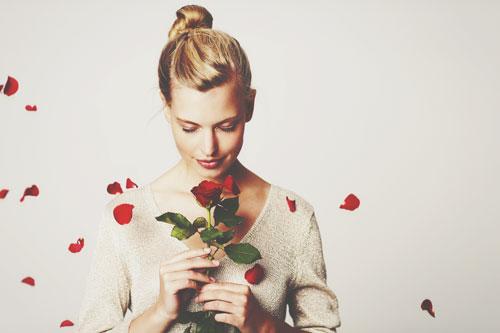 【誕生月・恋愛事典】1月生まれの恋は真面目で一途、マイペースに最高の恋愛を楽しんで!