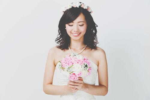 【夢占い】結婚式に参列する夢は恋がはじまる予感! 結婚の夢が暗示すること