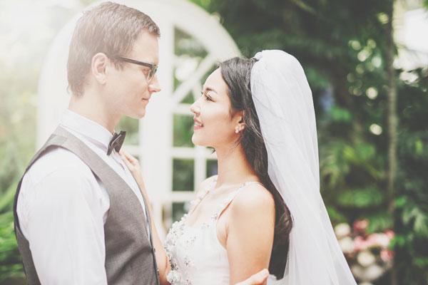 【心理テスト】ヘアサロンの口コミ、重視していることでわかる理想の結婚相手