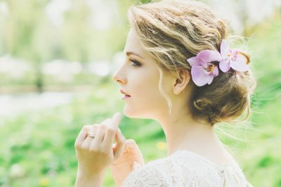 【紫月香帆の運気アップ風水】恋愛運ならガーベラ、仕事運はスイートピーを飾ろう