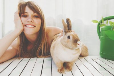 【心理テスト】迷いウサギへの対応でわかるやさしさの示し方