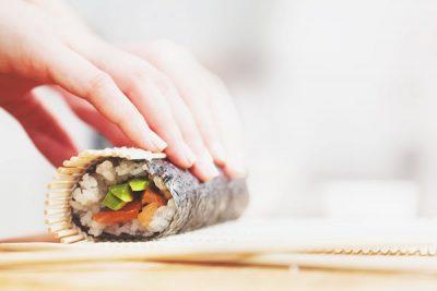 【コンビニ新商品で開運!】運気がアップする、最強巻き寿司はこれ!