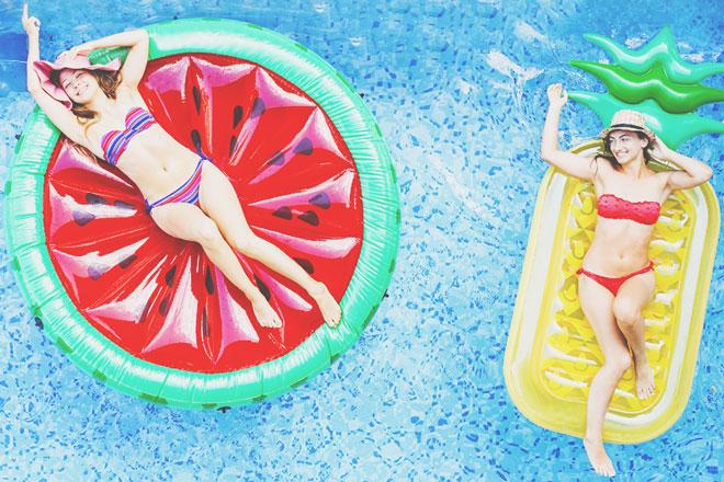 誕生日で占う【開運涼スポット】運命数3は「プール」で遊んでリフレッシュしよう!