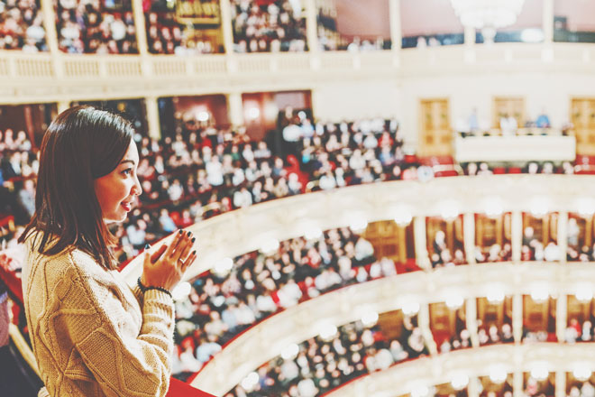 【夢占い】オペラ観劇の夢は芸術的感性が高まっているサイン! 芸術関連の夢が暗示すること