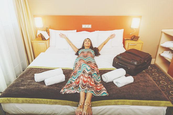 【心理テスト】ホテルの部屋でチェックが欠かせない場所は? 答えでわかる理想の結婚相手
