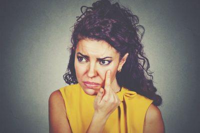 【心理テスト】まぶたに起きたトラブル何? 答えでわかる恋人と別れる理由