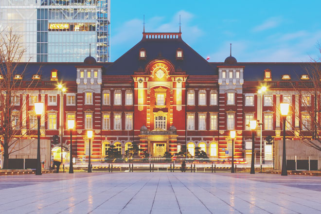 【12月の開運壁紙】恋愛運は「真っ白な羊」、金運は「駅」の写真で運気アップ!