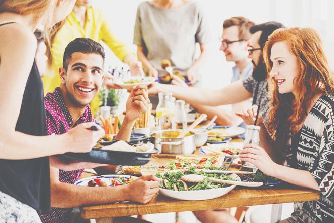 食べるのが早い人は、ちゃっかりしている!? 食事のときの癖でわかる、あなたの性格