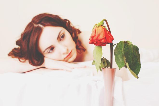 【心理テスト】枯れかけた花、どうする? 答えでわかる恋の終わり際の行動