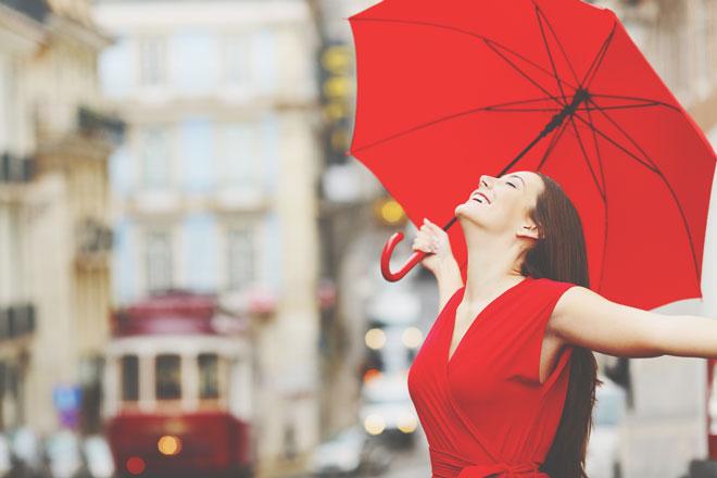 九星別【梅雨を乗り切る開運行動】三碧木星は声を出して自分の長所を褒めよう!