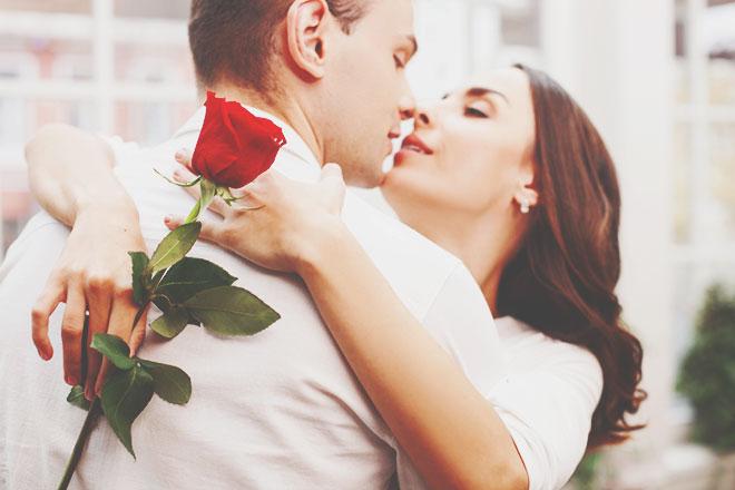 【無料占い】出会いの訪れ、運命の相手……あなたに定められた恋の運命とは?