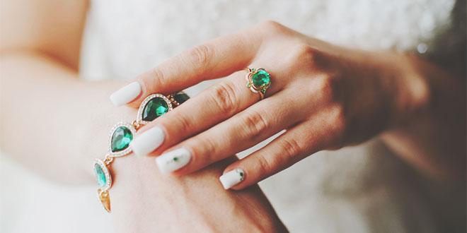 緑色のファッション小物