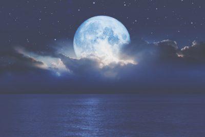 10月2日は牡羊座の満月 過剰な競争心を手放して、真の自立を手に入れよう!