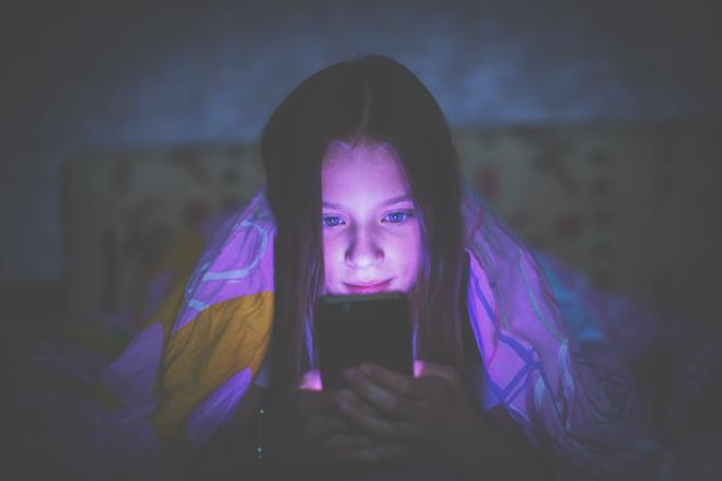 【心理テスト】徹夜するほどハマっているスマホゲームは? 答えでわかるあなたがしがちな迷惑行動
