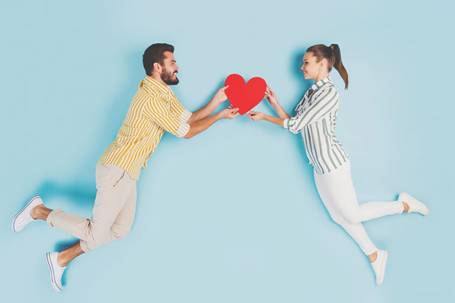 【無料占い】姓名判断で占う恋のキューピット 2人の縁を結ぶキーパーソンは誰?