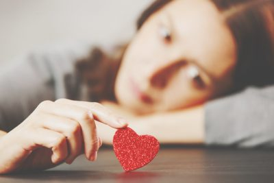 血液型【恋が苦しいとき】あるある AB型は恋のマニュアルに振り回されているとき!