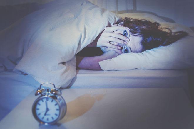 血液型【怖い夢を見たとき】あるある A型は眠れなくなる、AB型は夢占いをやってみる!