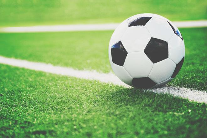 【夢占い】サッカーの夢を見たら新しい挑戦の好機! スポーツ・球技の夢が暗示すること