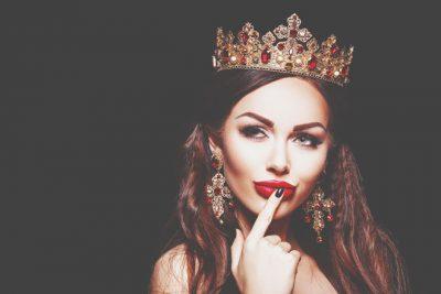 【夢占い】王様や王女などロイヤルな夢が暗示することとは?