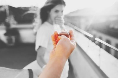 【お悩み相談】自分の浮気が原因で婚約破棄に。復縁の可能性はある?