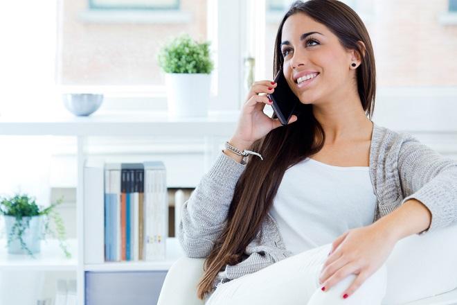 電話占いは当たる? 利用者の声と、運営担当に聞く「初めてでも楽しめる電話占いの使い方」