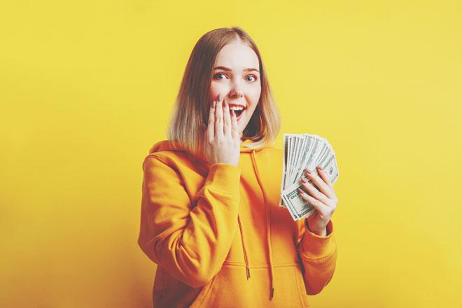 【無料占い】予約困難の占い師・暮れの酉の金運鑑定! あなたの財運を最大限に生かす「稼ぎ方」